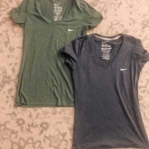 Excellent used cond set of two slim fit Nike tees